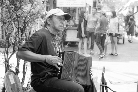 accordian-man-bw